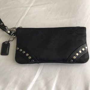 Coach Wristlet Excellent Used Condition